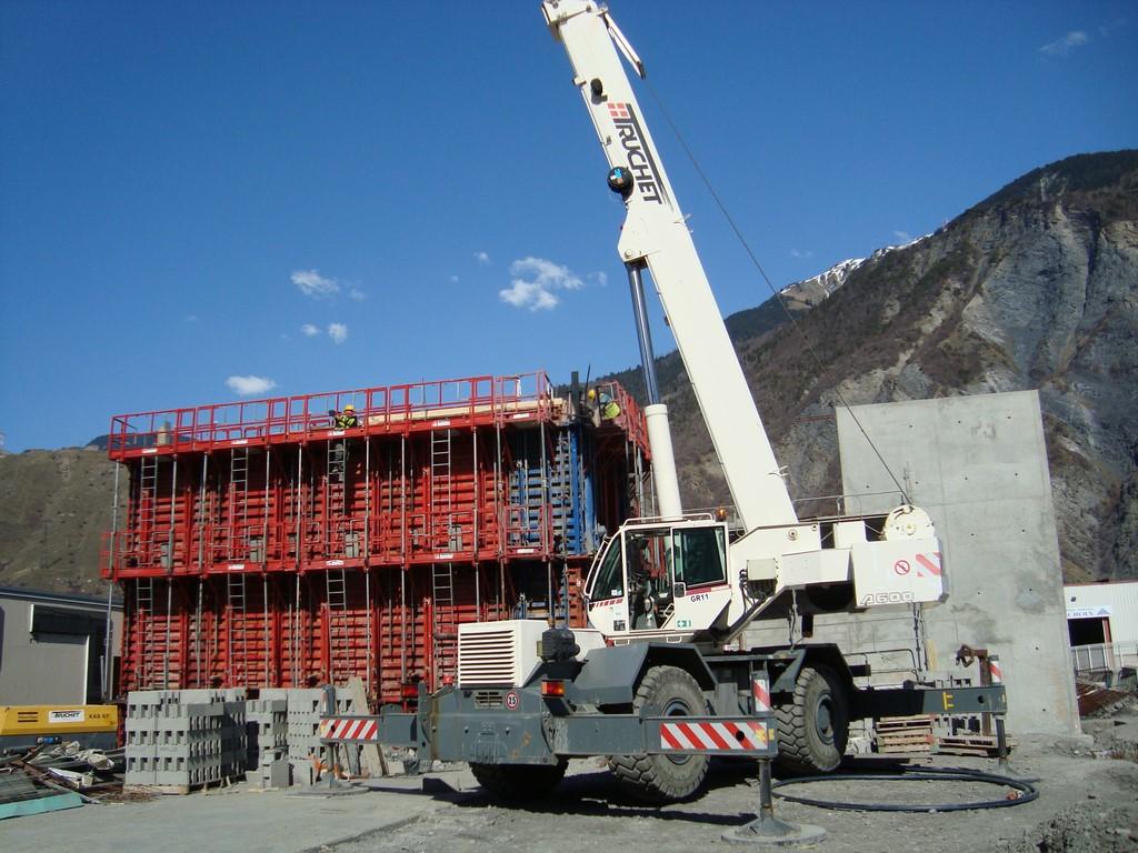 Construction d'un bâtiment commerciale Cache-Cache / Bonoba